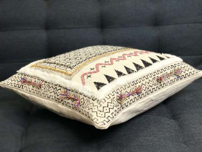 Cushion Cover with Tufting